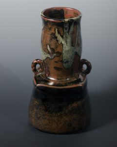 Jeff van den Broeck, Tall pot, stoneware, 2019