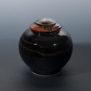 Jeff van den Broeck, Belly pot, stoneware, 2019